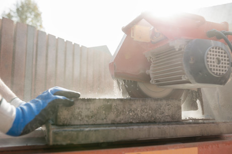 Safe Work Australia releases crystalline silica health guide | NSCA Foundation newsletter the Safe-T-Bulletin