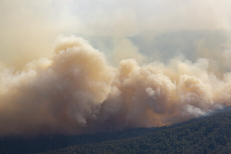 Researchers estimate 2019/20 bushfires health bill at $1.95bn